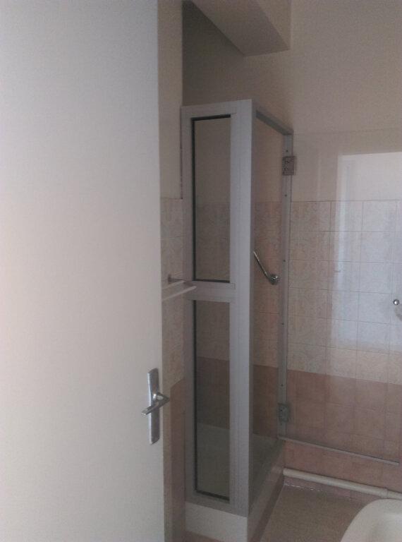 Appartement à louer 3 64.73m2 à Montauban vignette-8