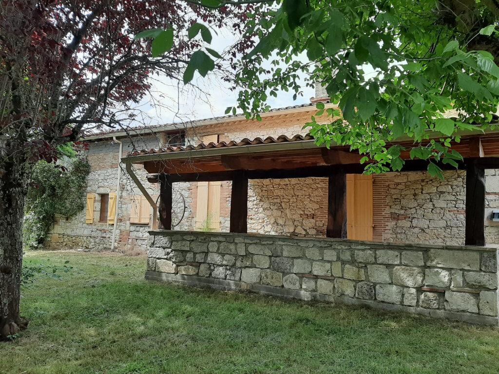 Maison à louer 6 182m2 à Beaumont-de-Lomagne vignette-1