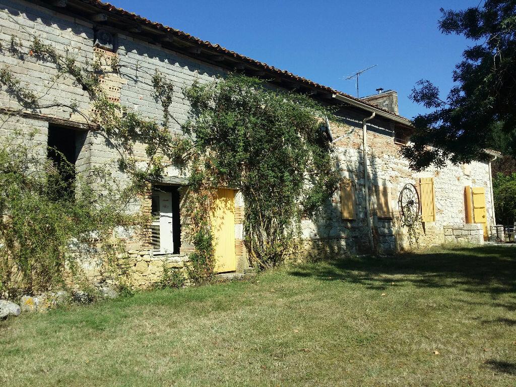 Maison à louer 6 182m2 à Beaumont-de-Lomagne vignette-3
