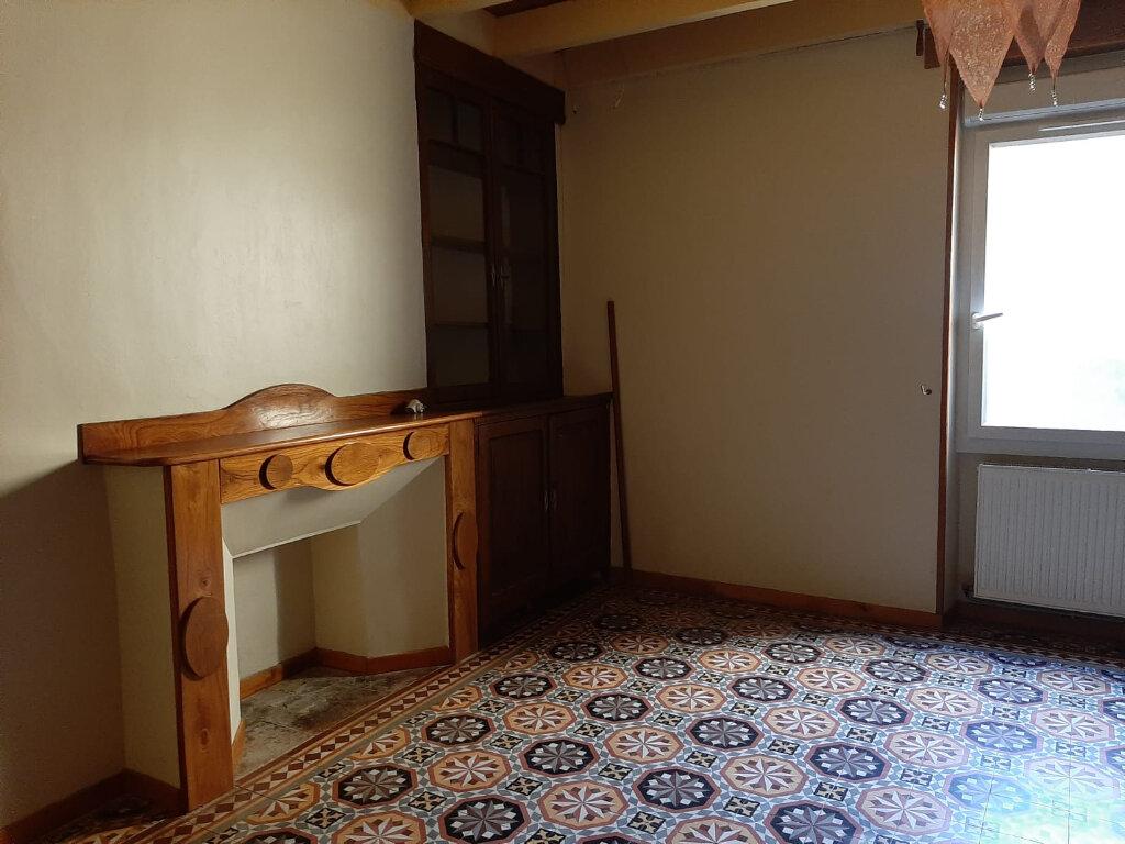 Maison à louer 6 182m2 à Beaumont-de-Lomagne vignette-9