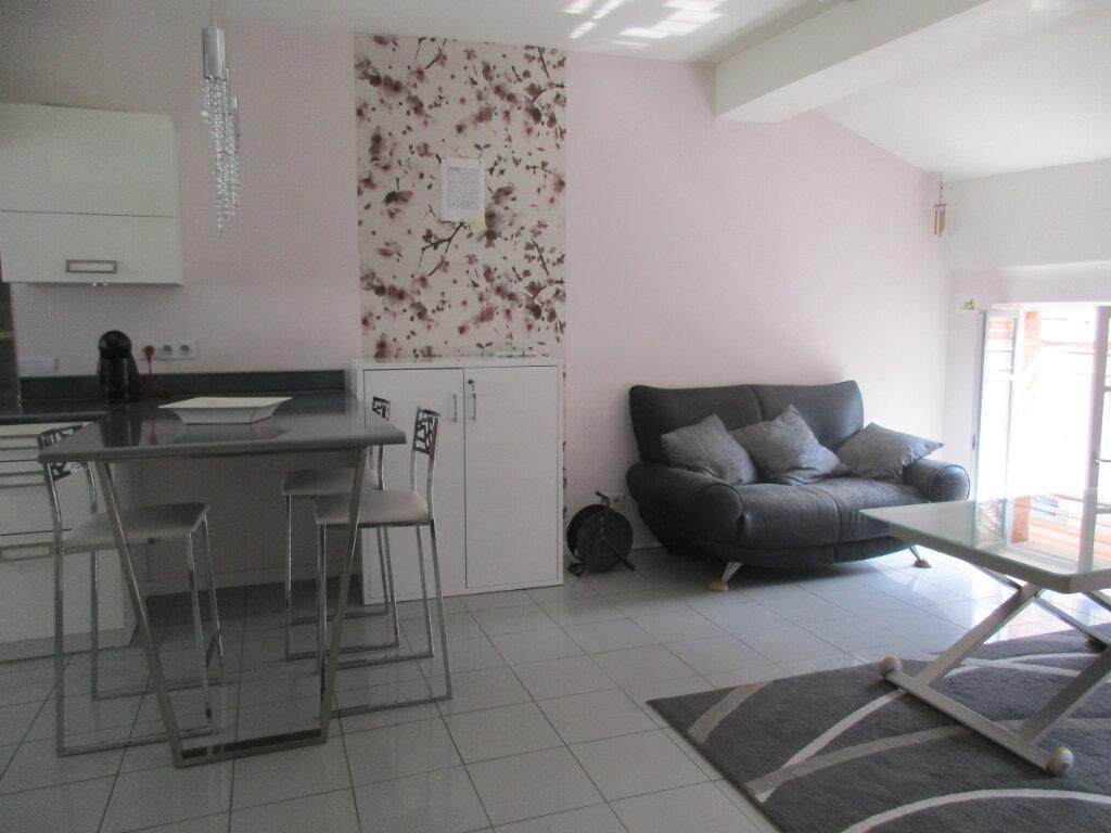 Appartement à louer 3 41m2 à Montauban vignette-3