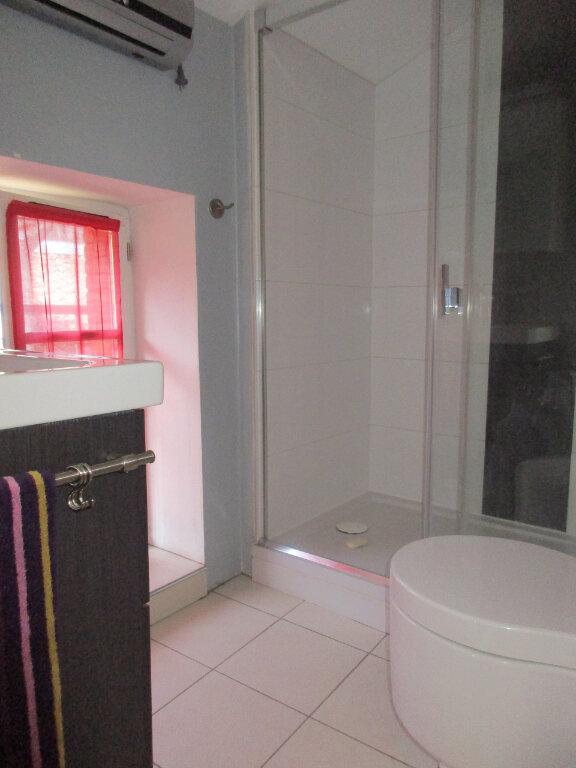 Appartement à louer 3 41m2 à Montauban vignette-5