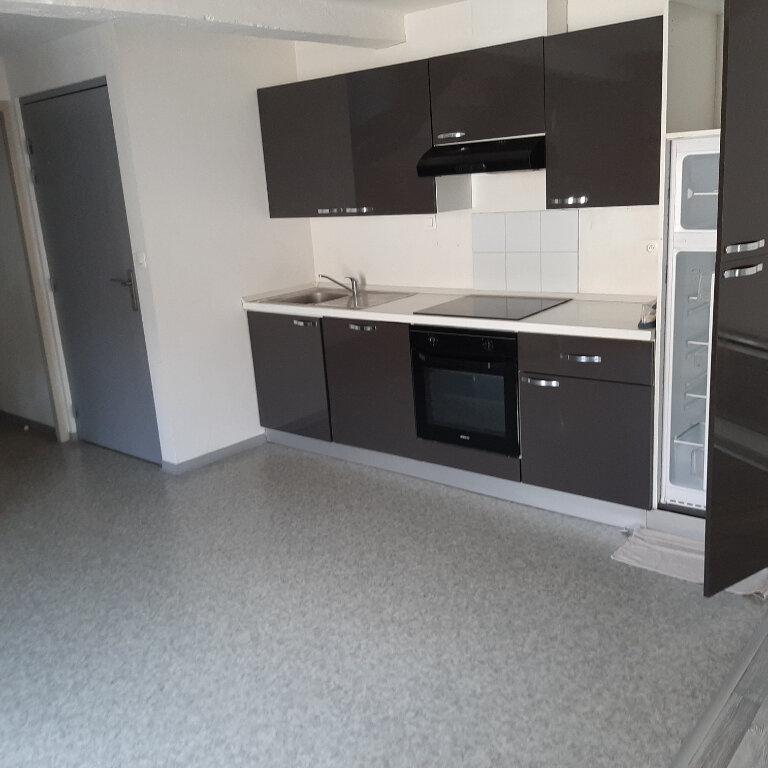 Appartement à louer 2 50m2 à Beaumont-de-Lomagne vignette-2