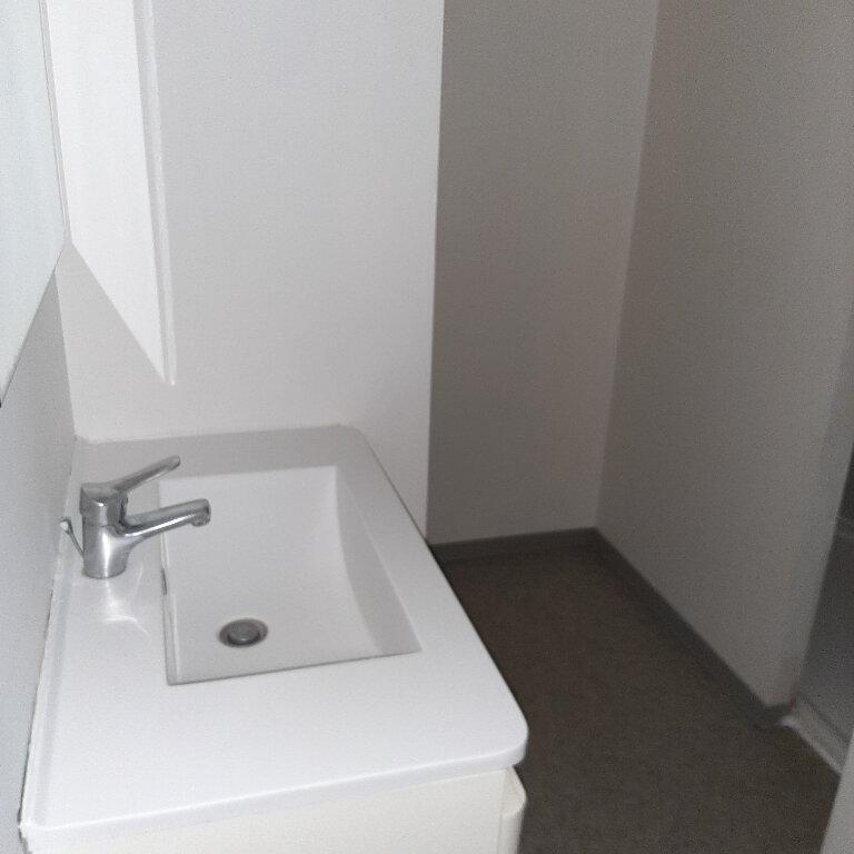 Appartement à louer 2 50m2 à Beaumont-de-Lomagne vignette-4
