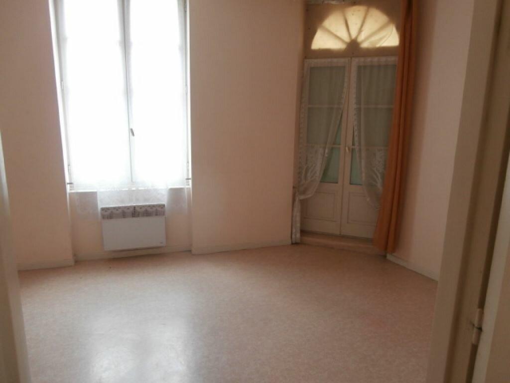 Appartement à louer 3 64m2 à Moissac vignette-2