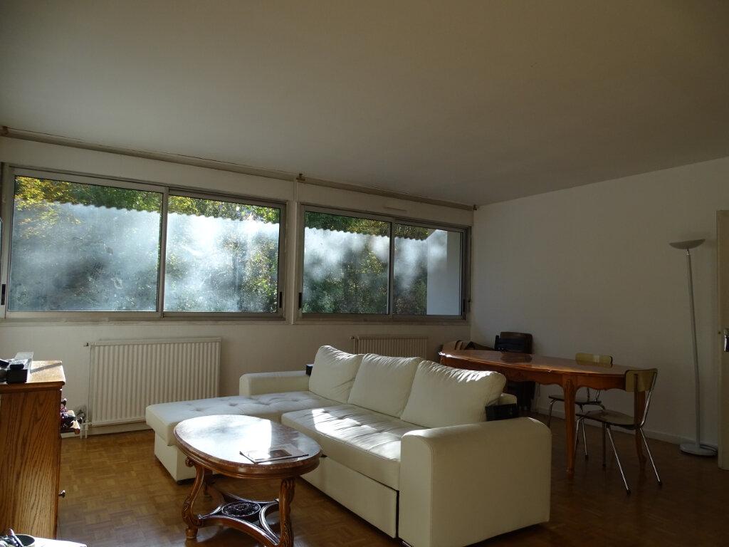 Appartement à vendre 4 92.66m2 à Saint-Étienne vignette-2