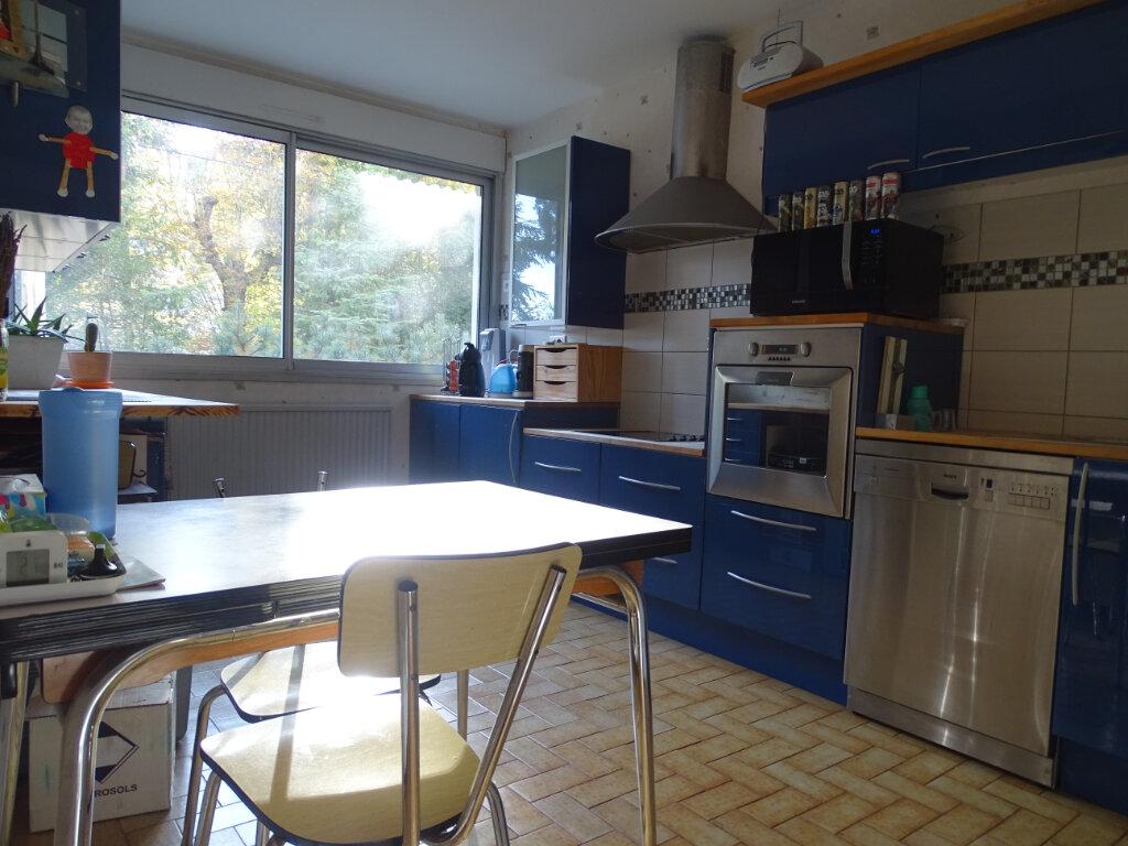 Appartement à vendre 4 92.66m2 à Saint-Étienne vignette-3