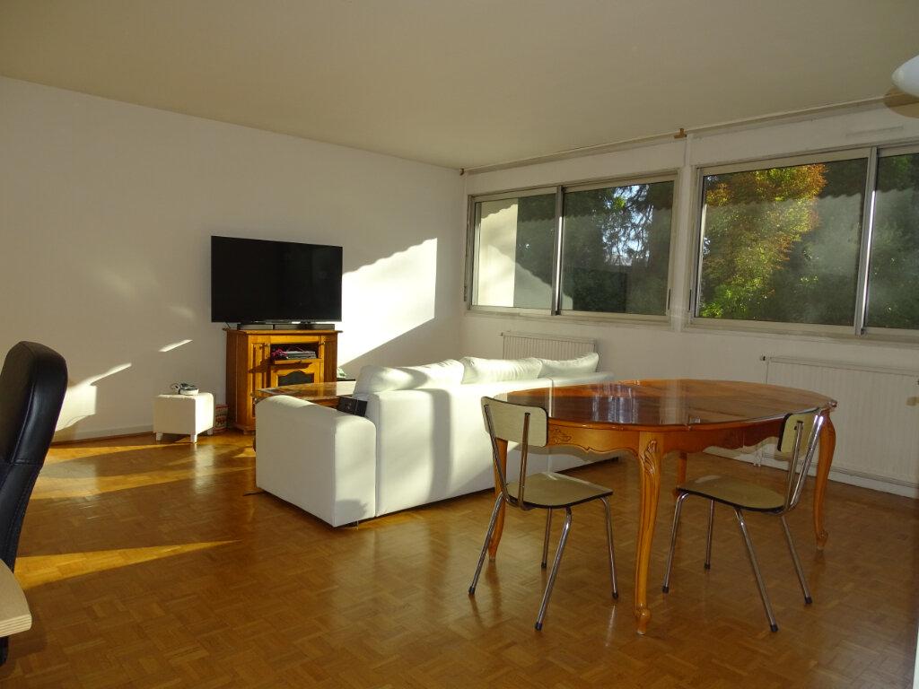 Appartement à vendre 4 92.66m2 à Saint-Étienne vignette-5