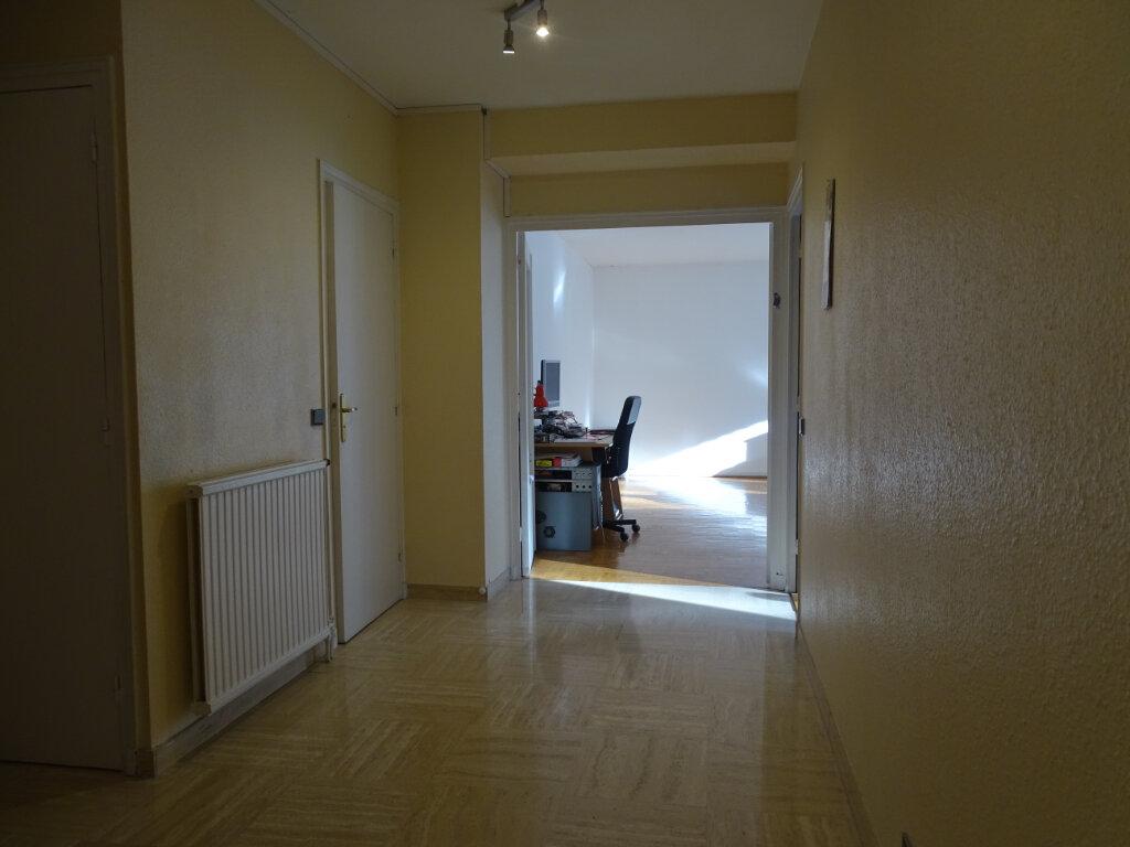 Appartement à vendre 4 92.66m2 à Saint-Étienne vignette-8