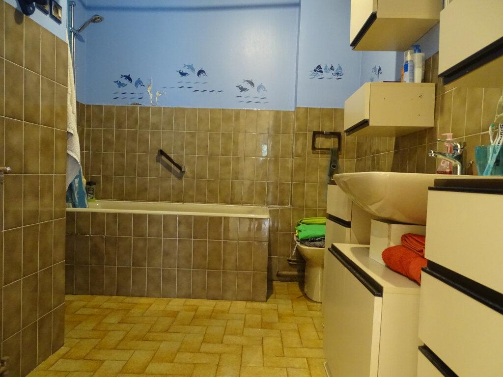 Appartement à vendre 4 92.66m2 à Saint-Étienne vignette-11