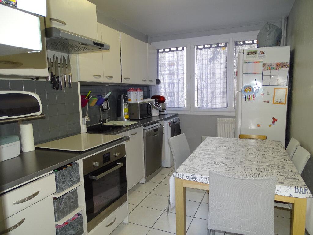 Appartement à vendre 5 84m2 à Saint-Étienne vignette-4