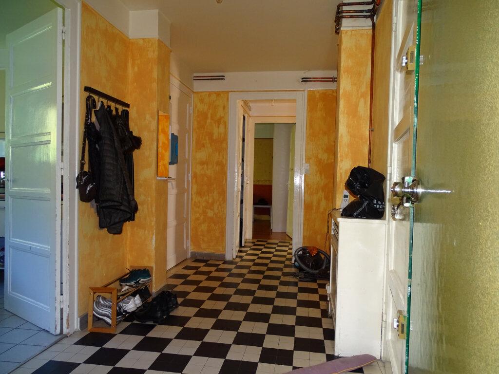Appartement à vendre 5 108.9m2 à Saint-Étienne vignette-2