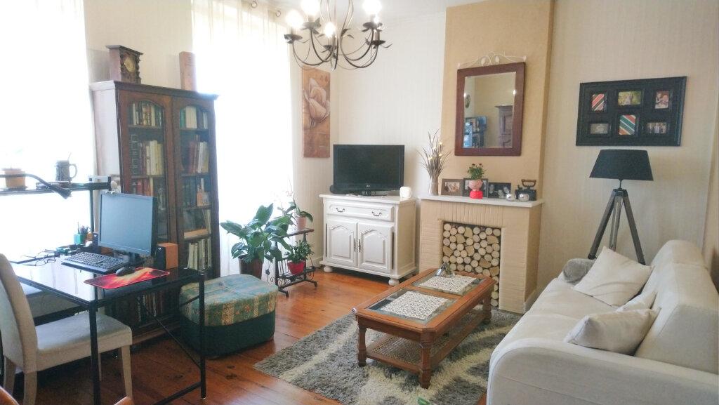 Appartement à vendre 4 67.56m2 à Royan vignette-2