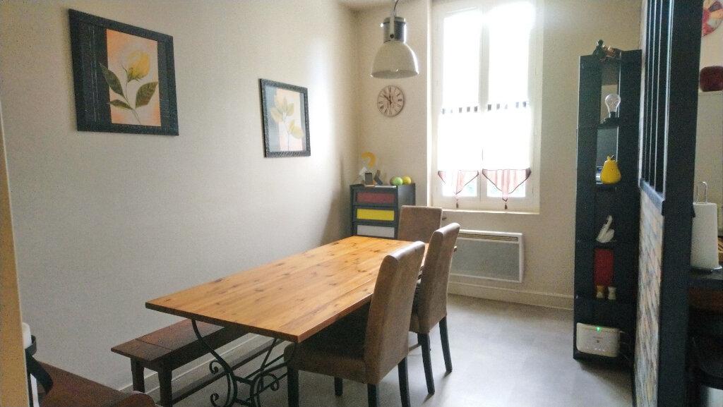 Appartement à vendre 4 67.56m2 à Royan vignette-4