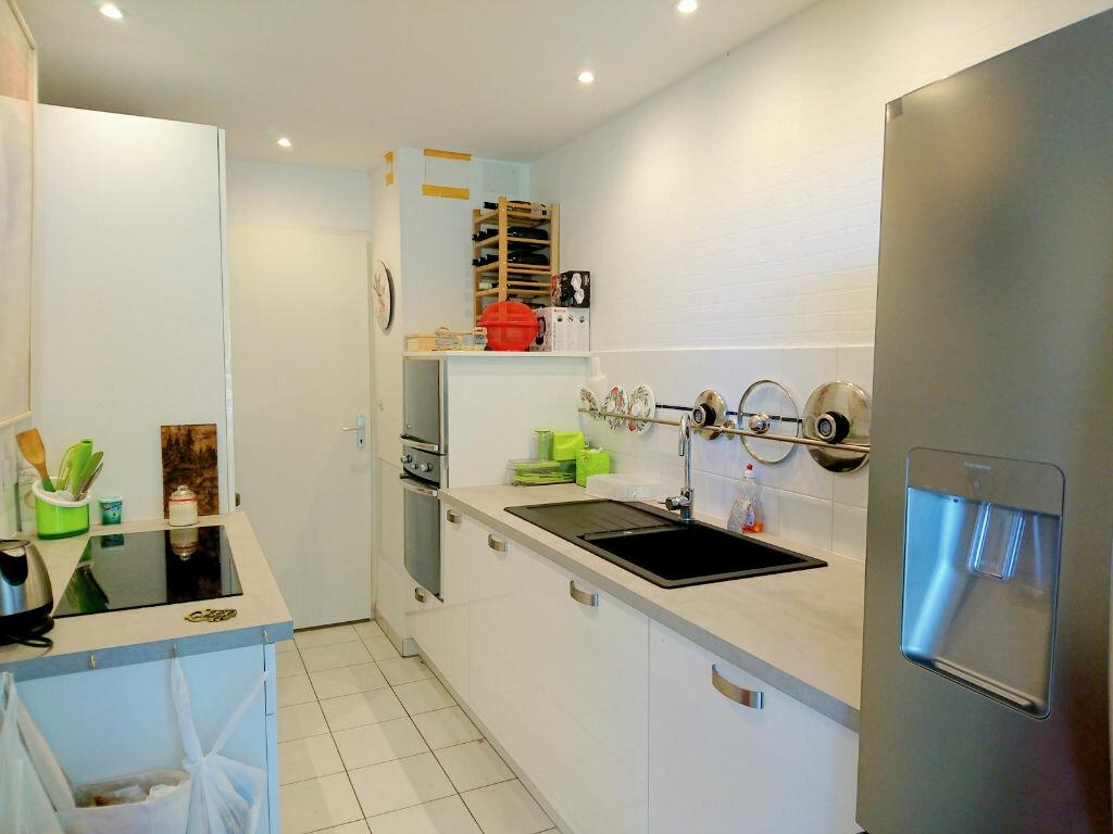 Appartement à vendre 3 64m2 à Royan vignette-2
