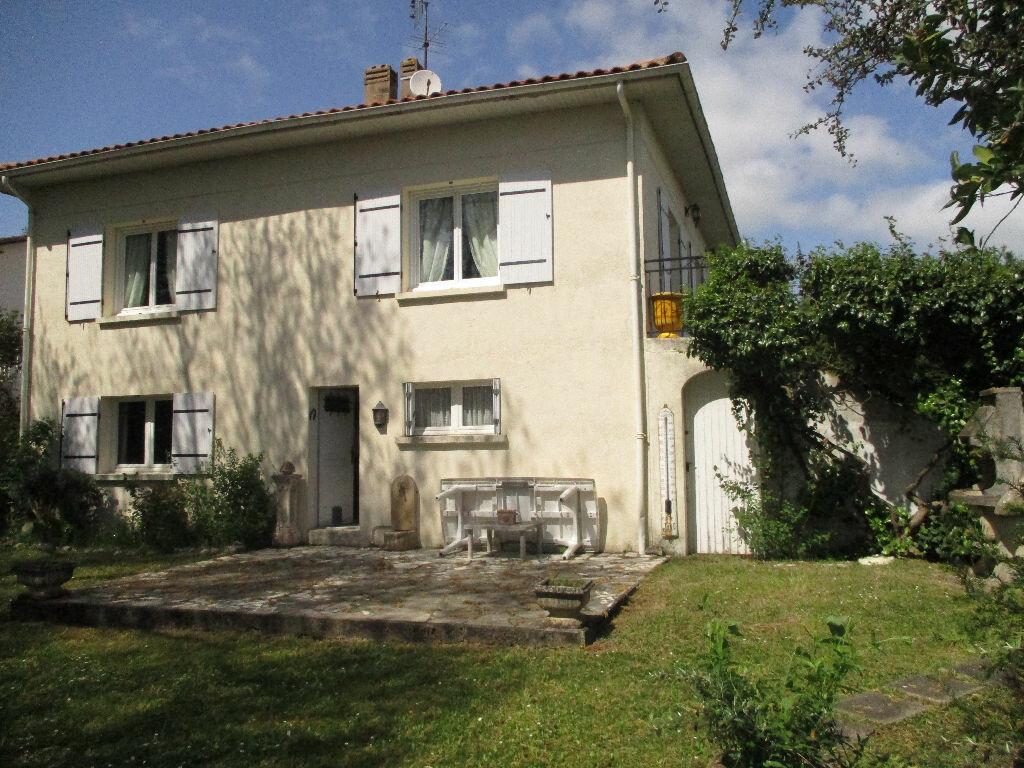 Maison à vendre 6 192m2 à Royan vignette-7