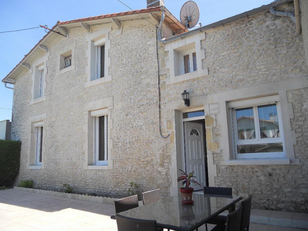 Maison à vendre 4 94m2 à Royan vignette-1