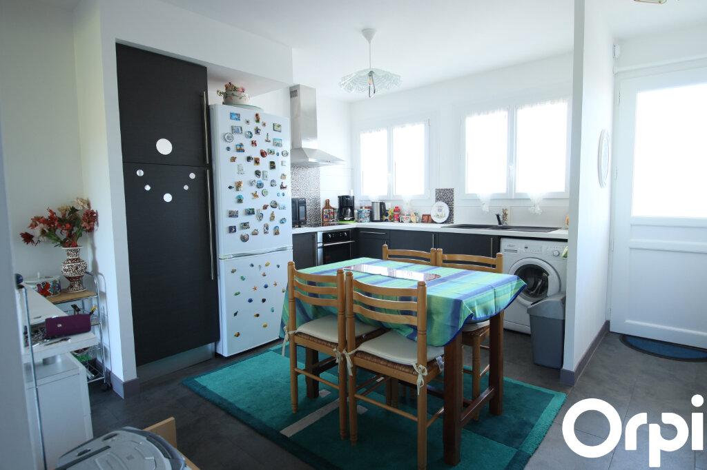 Appartement à vendre 2 47.01m2 à Royan vignette-2