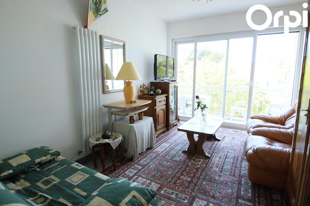Appartement à vendre 2 47.01m2 à Royan vignette-3