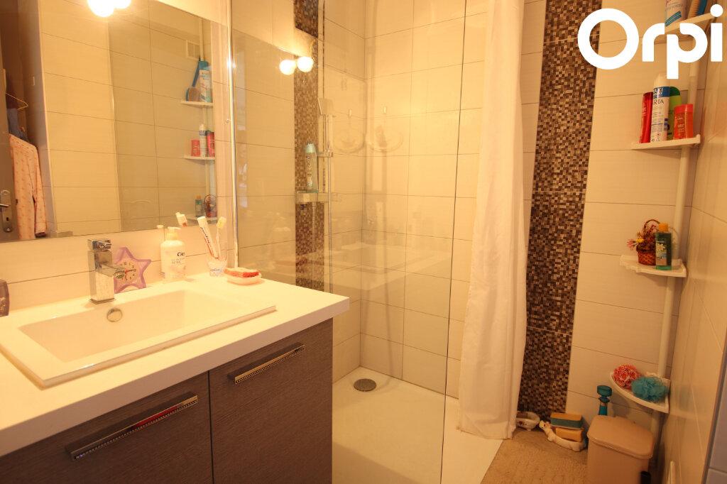 Appartement à vendre 2 47.01m2 à Royan vignette-6