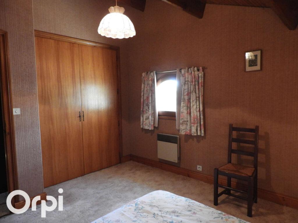 Maison à vendre 5 120m2 à Saint-Palais-sur-Mer vignette-11