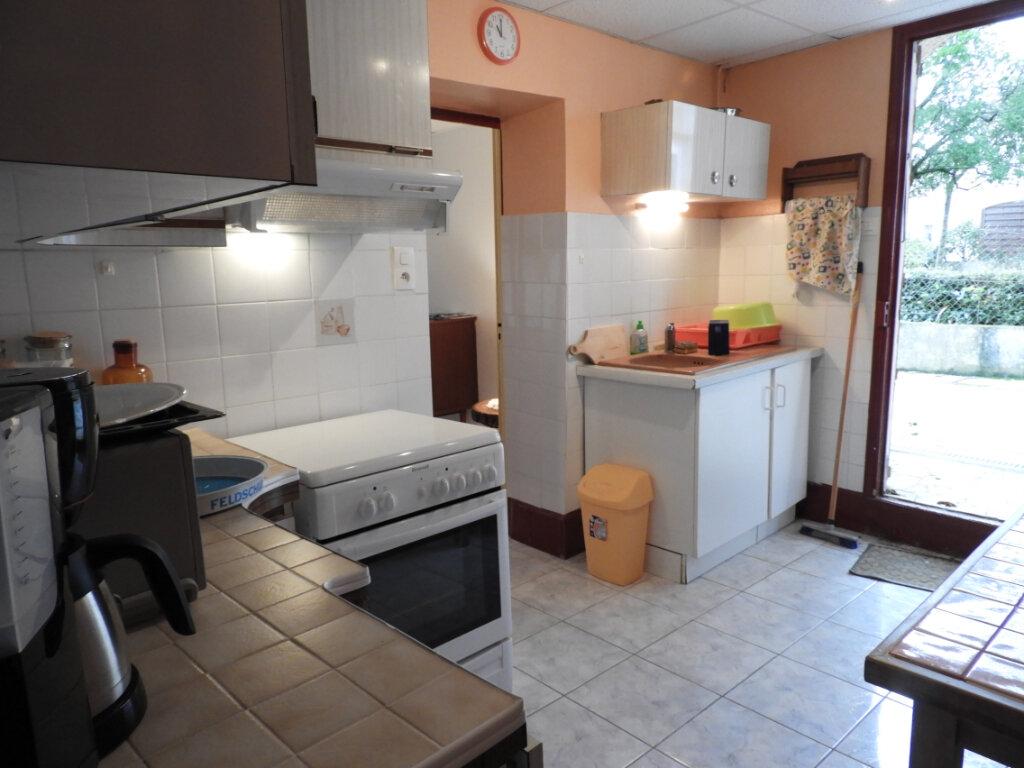 Maison à vendre 8 182m2 à Saint-Palais-sur-Mer vignette-8