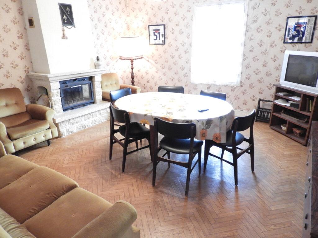 Maison à vendre 8 182m2 à Saint-Palais-sur-Mer vignette-14