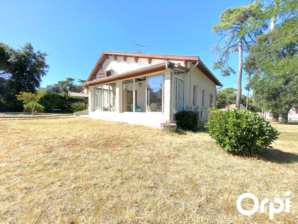 Maison à vendre 8 150m2 à Saint-Palais-sur-Mer vignette-1