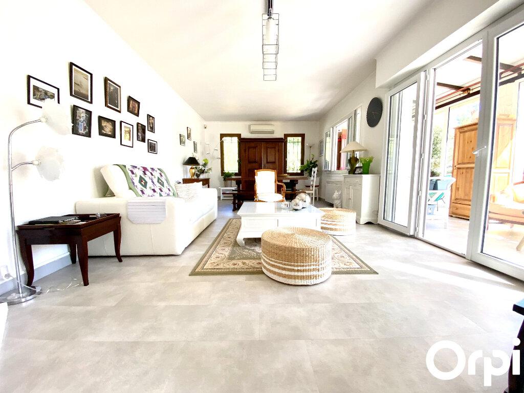 Maison à vendre 8 150m2 à Saint-Palais-sur-Mer vignette-4