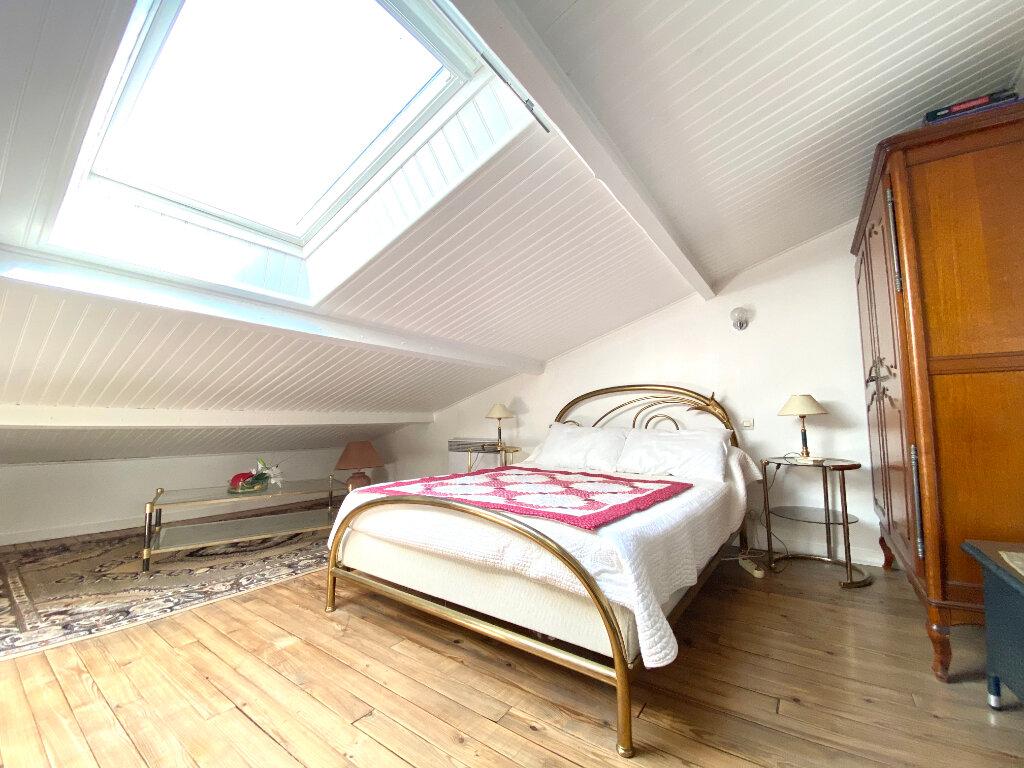 Maison à vendre 8 150m2 à Saint-Palais-sur-Mer vignette-8