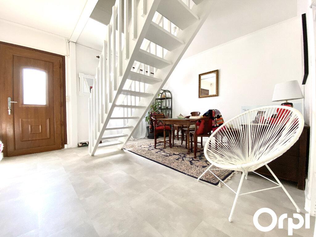 Maison à vendre 8 150m2 à Saint-Palais-sur-Mer vignette-10