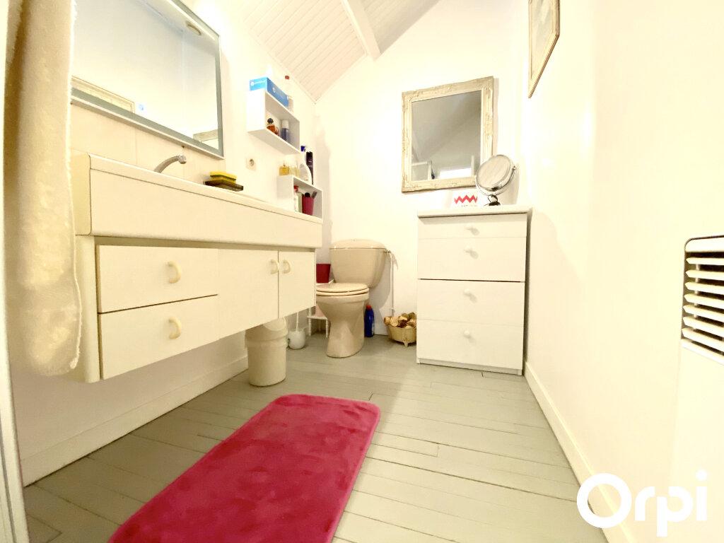 Maison à vendre 8 150m2 à Saint-Palais-sur-Mer vignette-11