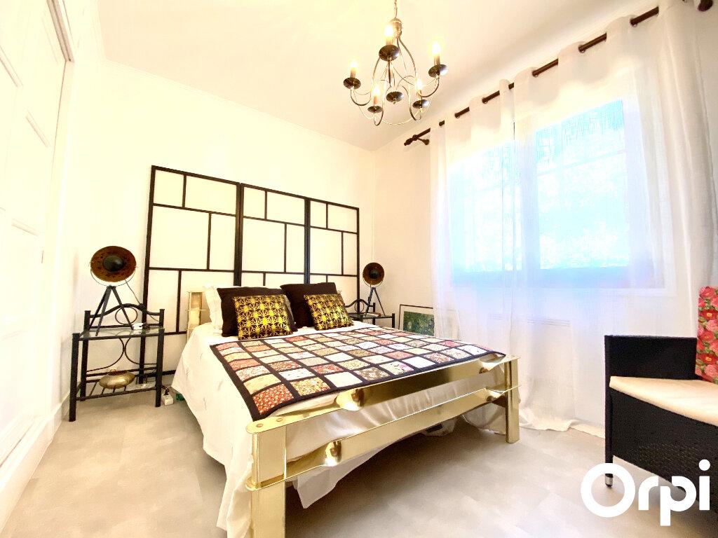 Maison à vendre 8 150m2 à Saint-Palais-sur-Mer vignette-14