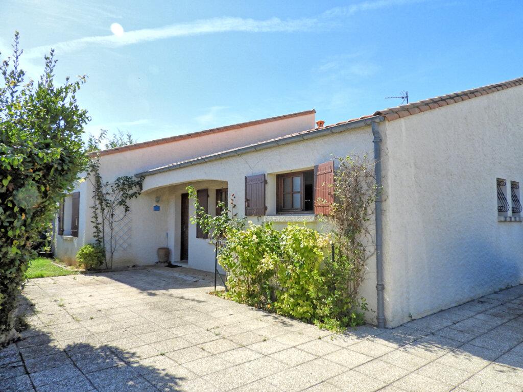 Maison à vendre 6 183m2 à Saint-Palais-sur-Mer vignette-1