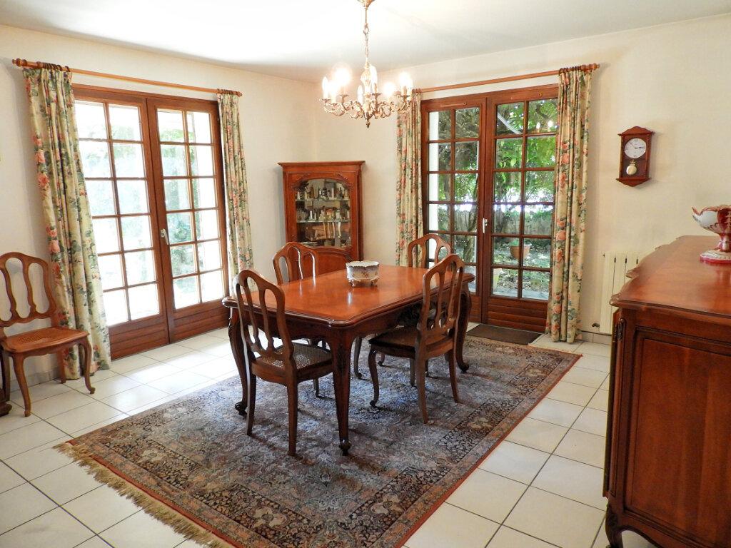 Maison à vendre 6 183m2 à Saint-Palais-sur-Mer vignette-4