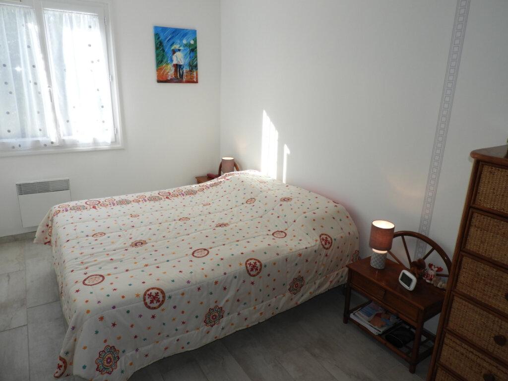 Maison à vendre 4 74m2 à Vaux-sur-Mer vignette-9