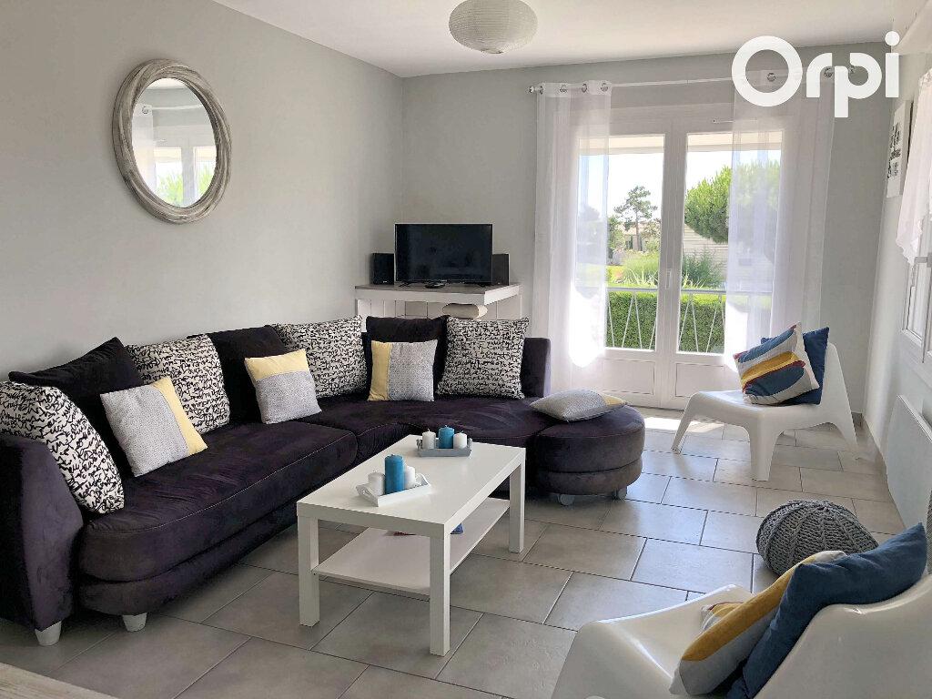 Appartement à vendre 3 74m2 à Vaux-sur-Mer vignette-3