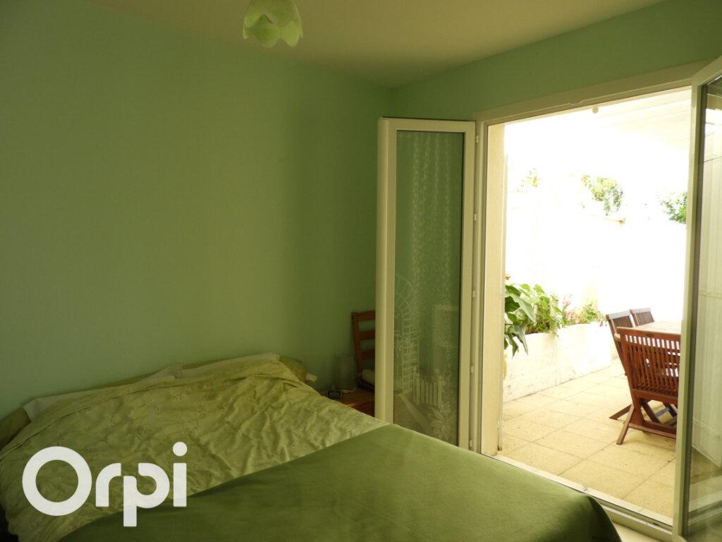 Maison à vendre 5 117m2 à Saint-Palais-sur-Mer vignette-10