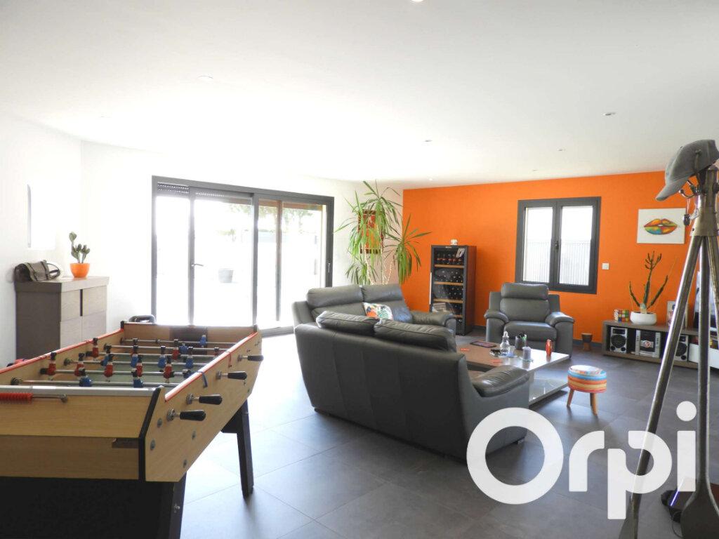 Maison à vendre 5 155m2 à Saint-Palais-sur-Mer vignette-3
