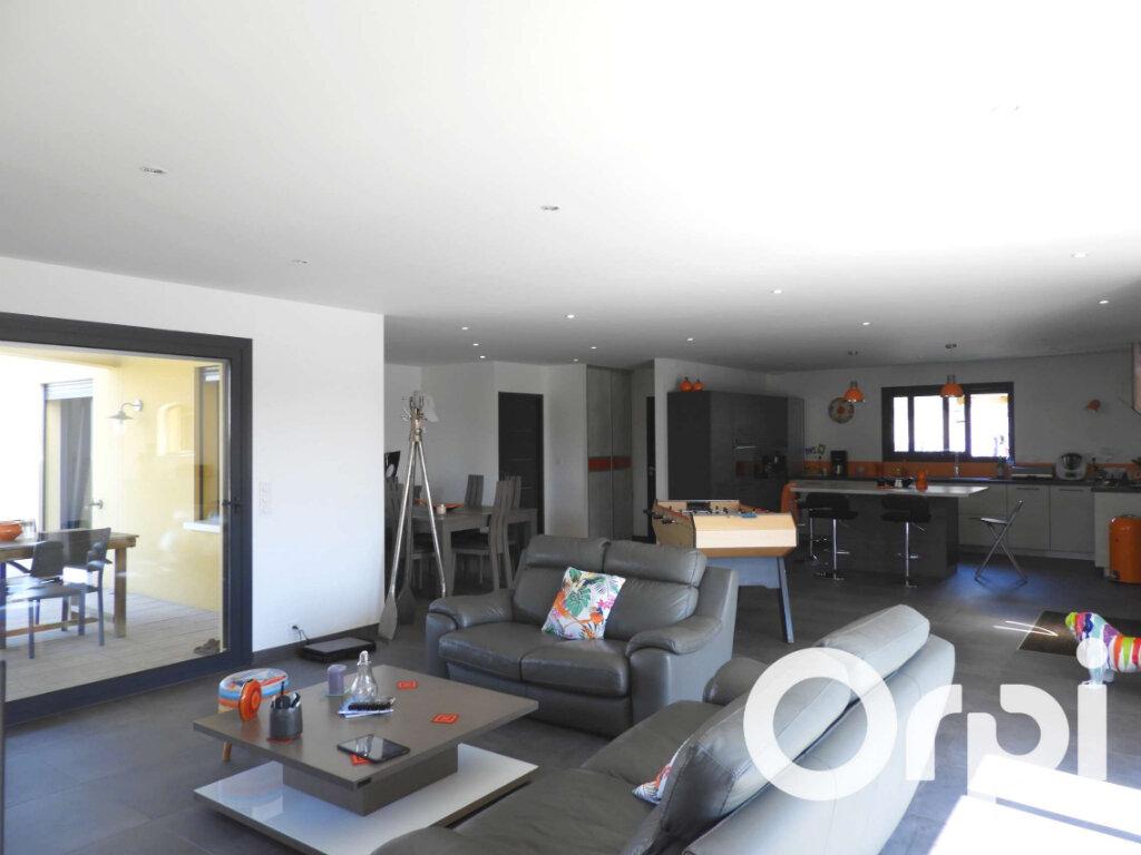 Maison à vendre 5 155m2 à Saint-Palais-sur-Mer vignette-4