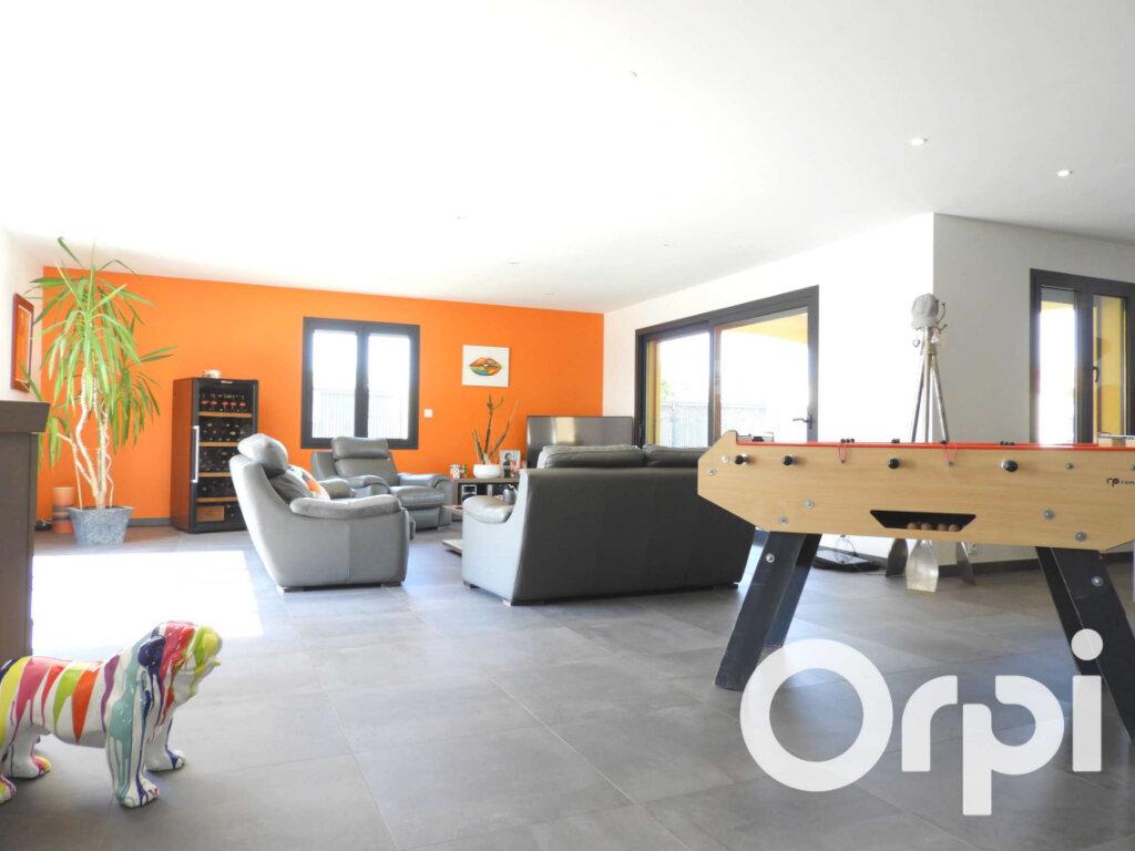 Maison à vendre 5 155m2 à Saint-Palais-sur-Mer vignette-5