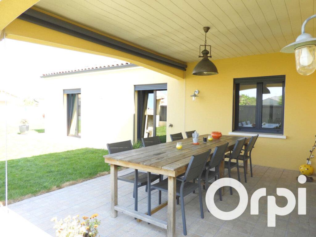 Maison à vendre 5 155m2 à Saint-Palais-sur-Mer vignette-15