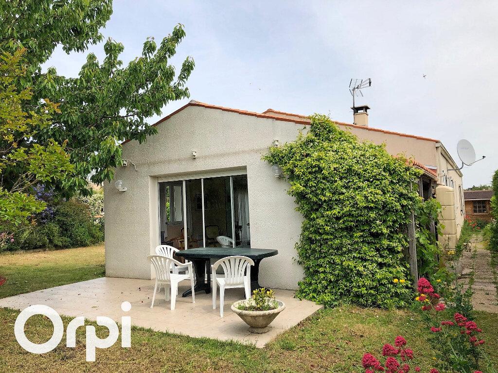 Maison à vendre 5 119m2 à Saint-Palais-sur-Mer vignette-2