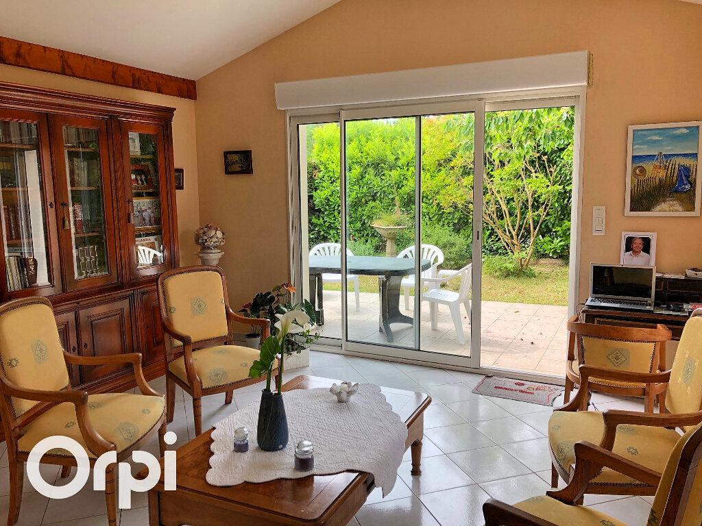 Maison à vendre 5 119m2 à Saint-Palais-sur-Mer vignette-3