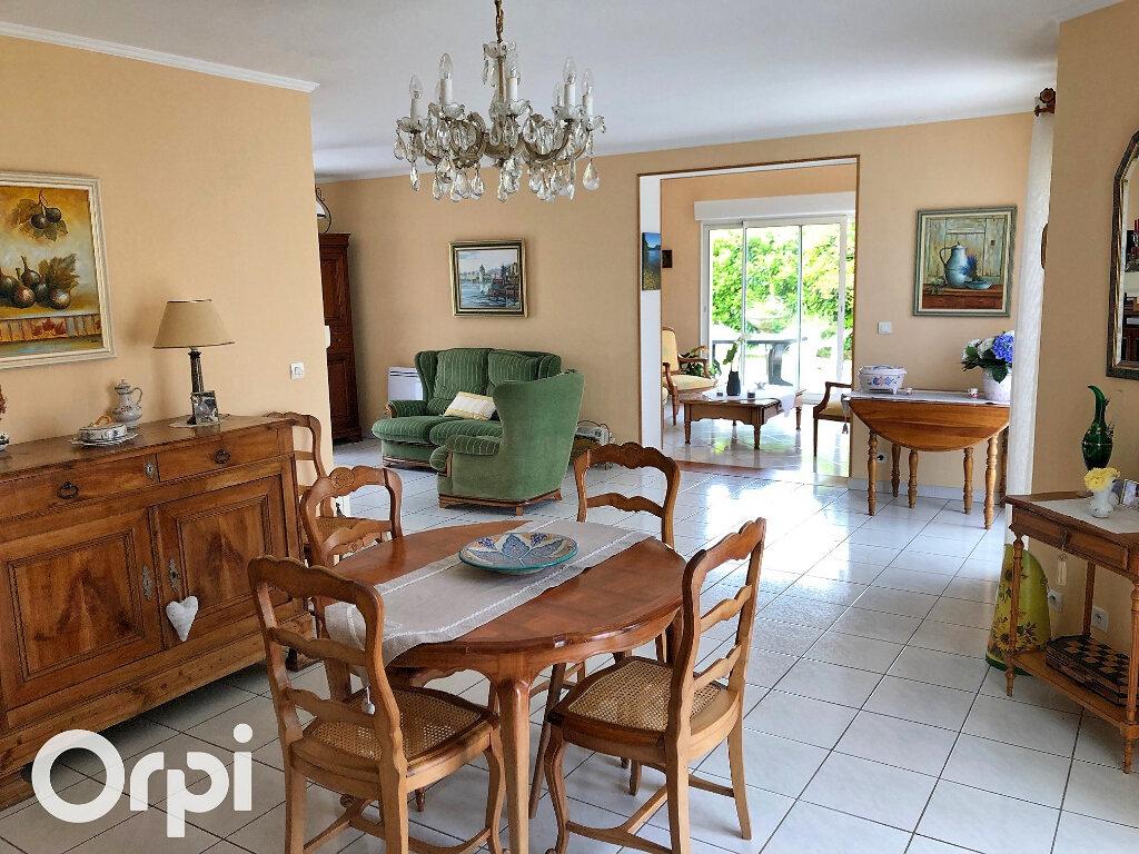 Maison à vendre 5 119m2 à Saint-Palais-sur-Mer vignette-4