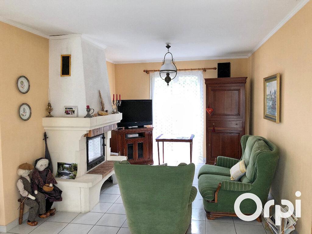Maison à vendre 5 119m2 à Saint-Palais-sur-Mer vignette-5