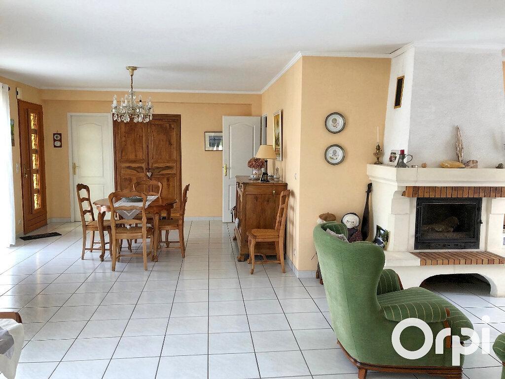 Maison à vendre 5 119m2 à Saint-Palais-sur-Mer vignette-7