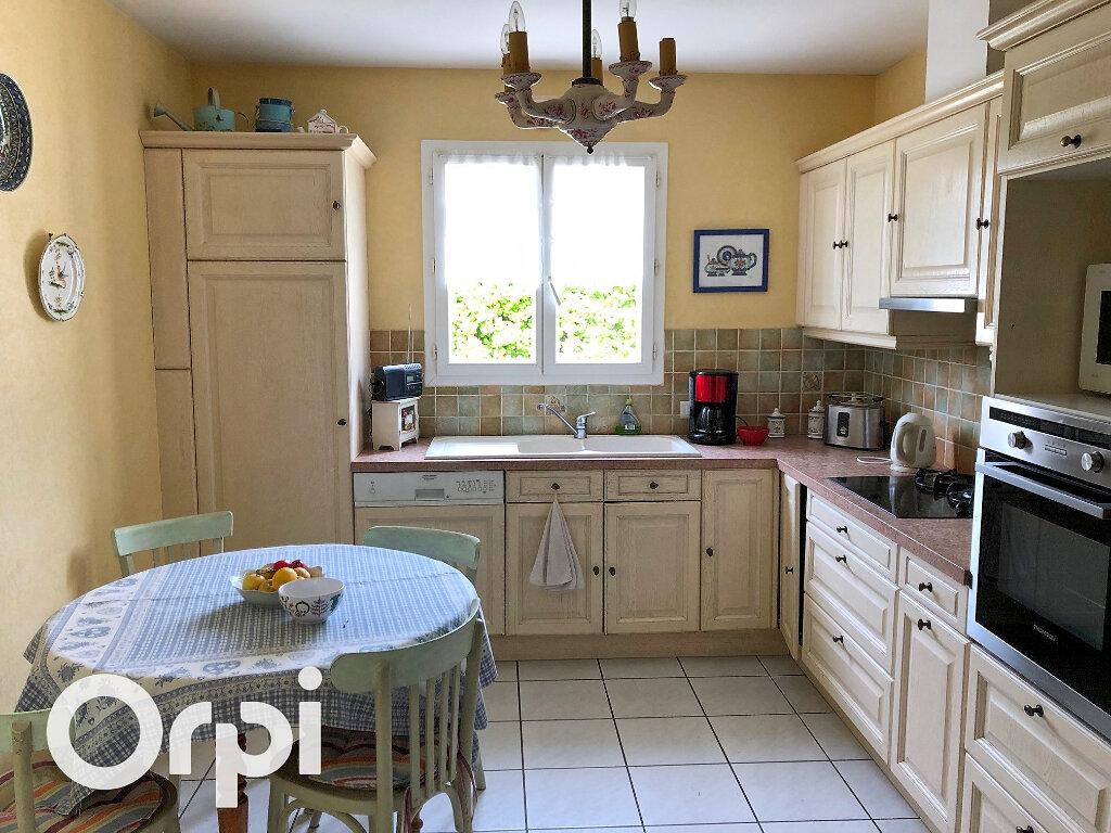 Maison à vendre 5 119m2 à Saint-Palais-sur-Mer vignette-8