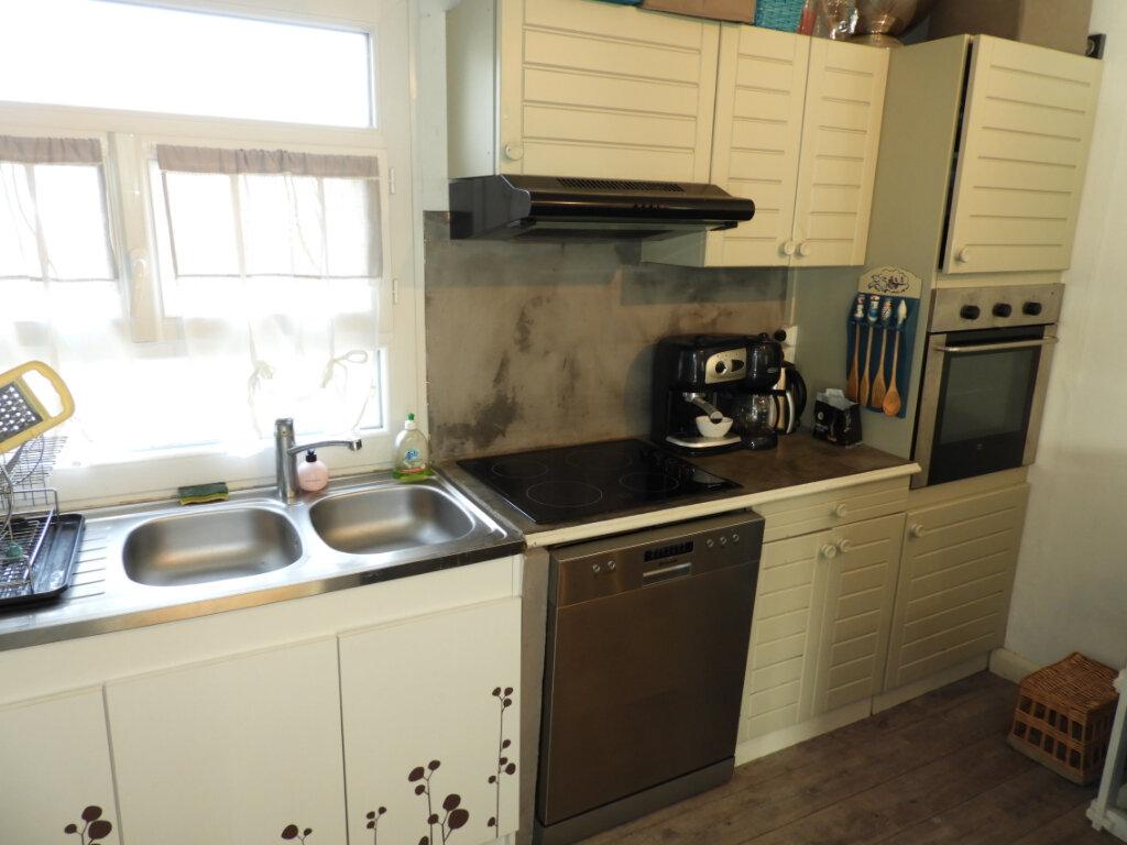 Maison à vendre 4 97m2 à Saint-Palais-sur-Mer vignette-7