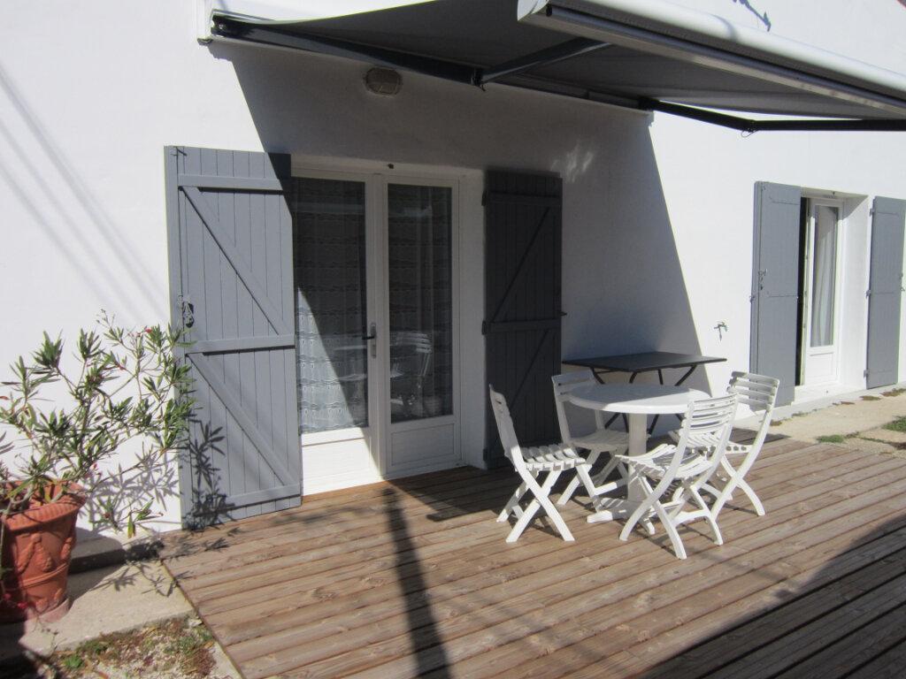 Maison à vendre 4 106m2 à Breuillet vignette-1